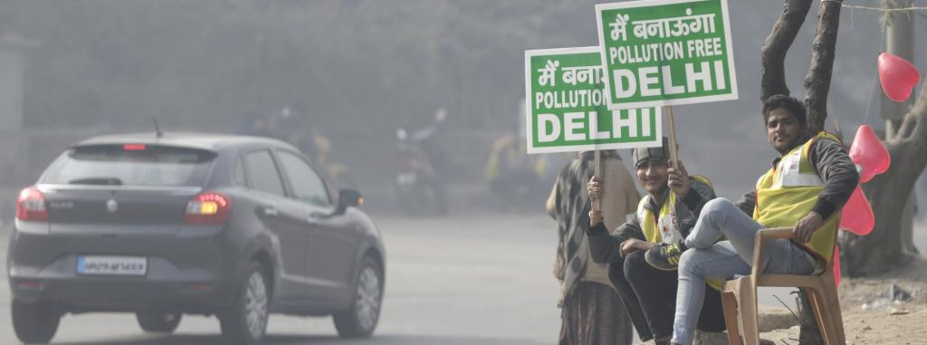 Placards during the odd-even scheme in Delhi on January 1, 2016. Photo: Vikas Choudhary