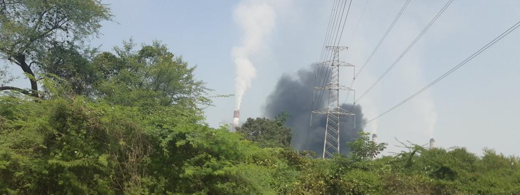 Fire at an NTPC power plant in Singrauli. Photo: @chittu_baba / Twitter