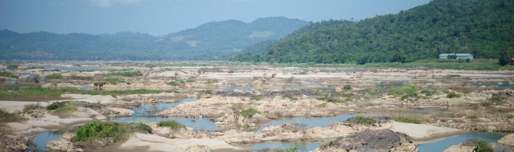 The dried-up Mekong. Photo: @panuw / Twitter