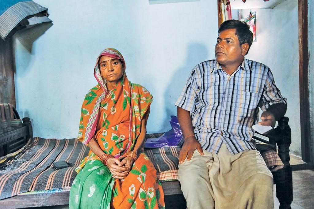 रेमुंडा गांव में रहने वाली 40 वर्षीय संजुक्ता सत्पथी का साल 2017 में पेट के कैंसर का इलाज हुआ है। डॉक्टरों ने  बताया है कि उन्हें अल्सर की शिकायत हो सकती है