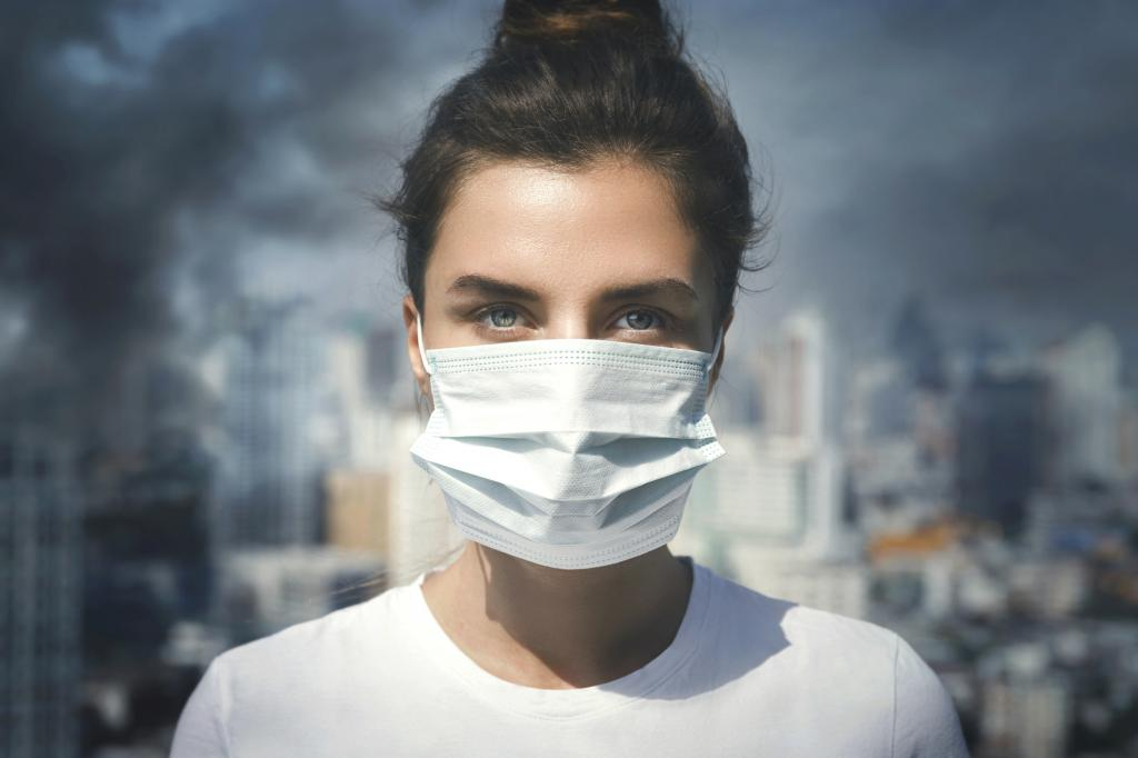 Air pollution facemask. Photo: Getty Images