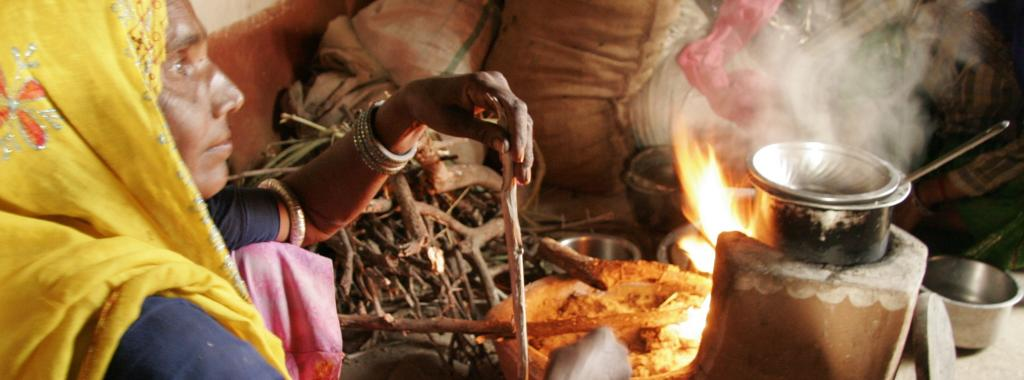 Rural India's expenditure on food has been declining since 1972. Photo: CSE