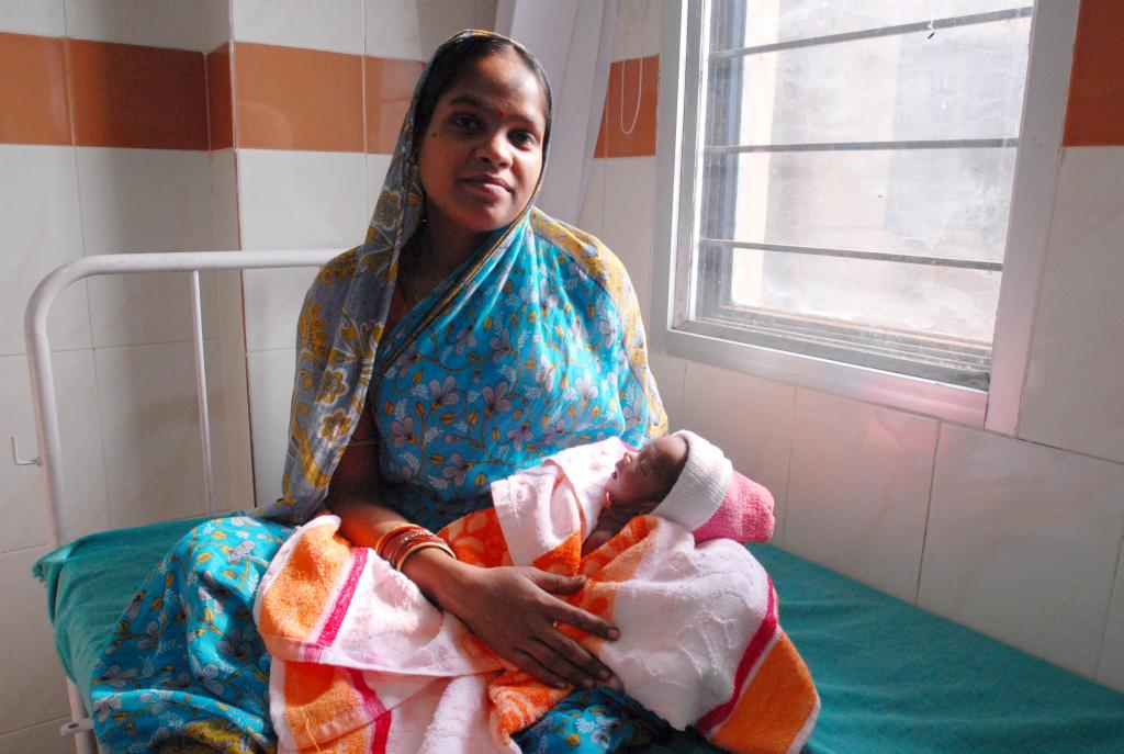 Indian mothers need more government support. Photo: Wikimedia Commons
