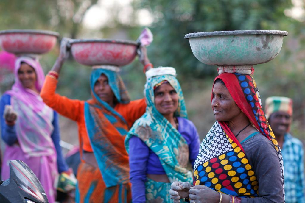 Migrant labourers in India: Photo: Shutterstock