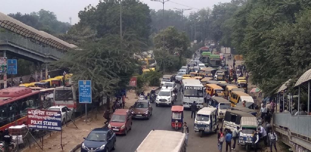 Roadside bunching of Gramin Seva vehicles