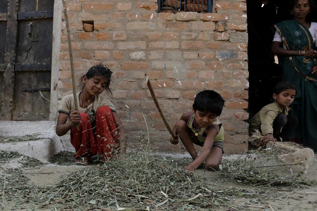 भारत में 70 फीसदी लोगों के पास जितनी संपत्ति है, उससे ज्यादा संपत्ति 1 फीसदी अमीरों के पास है। फोटो: विकास चौधरी