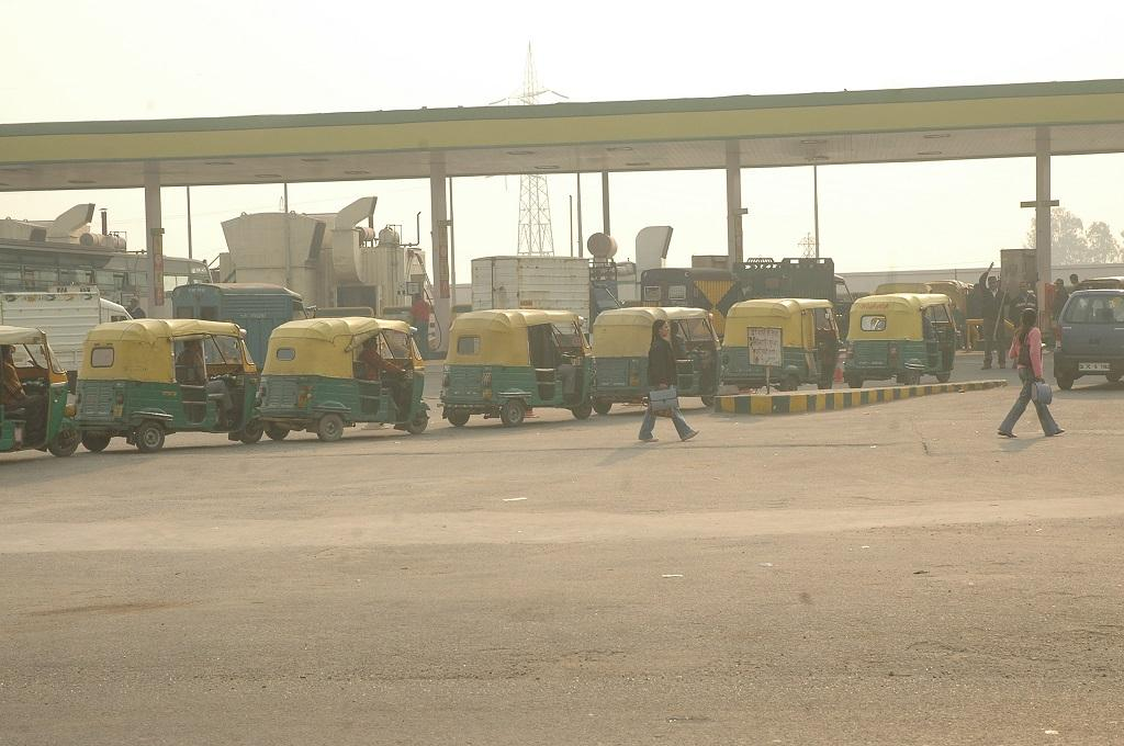 Subsidy for CNG auto in Patna, but only three CNG stations