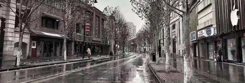 Empty streets in Wuhan, China. Photo: @WillySier / Twitter