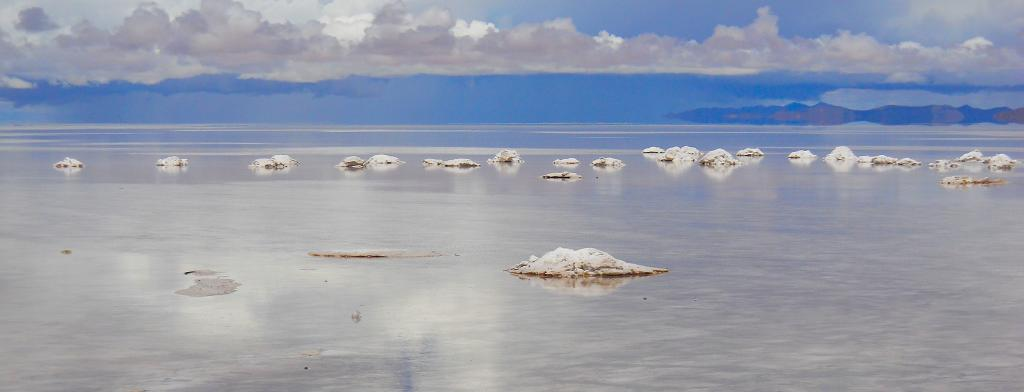 The salt flats of Bolivia, where mining for lithium is carried out. Photo: Flickr