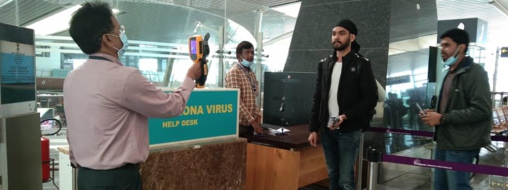 Screening for novel coronavirus at Bengaluru airport Photo: MoHFW / Twitter