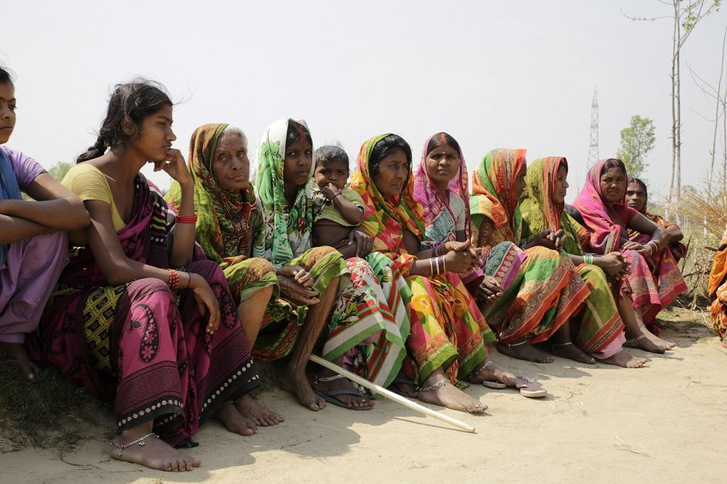 पश्चिमी चम्पारण में केवल 8 लोगों को ही मनरेगा के तहत 100 दिन का काम मिला है। फोटो: विकास चौधरी