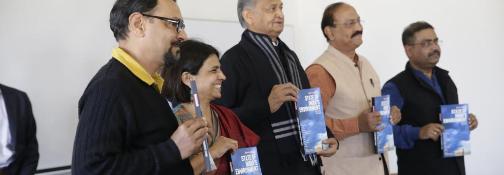 Launch of State of India's Environment by Ashok Gehlot and Sunita Narain. Photo: Vikas Chaudhary / CSE