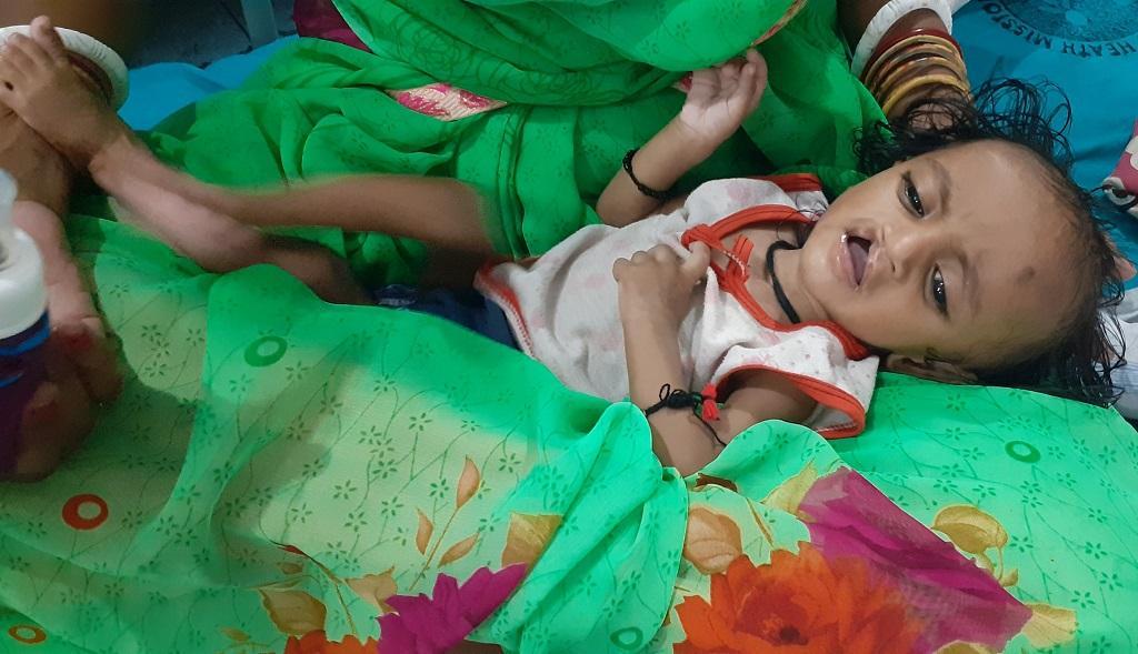 चमकी बुखार से पीड़ित एक बच्चा। फाइल फोटो: पुष्य मित्र