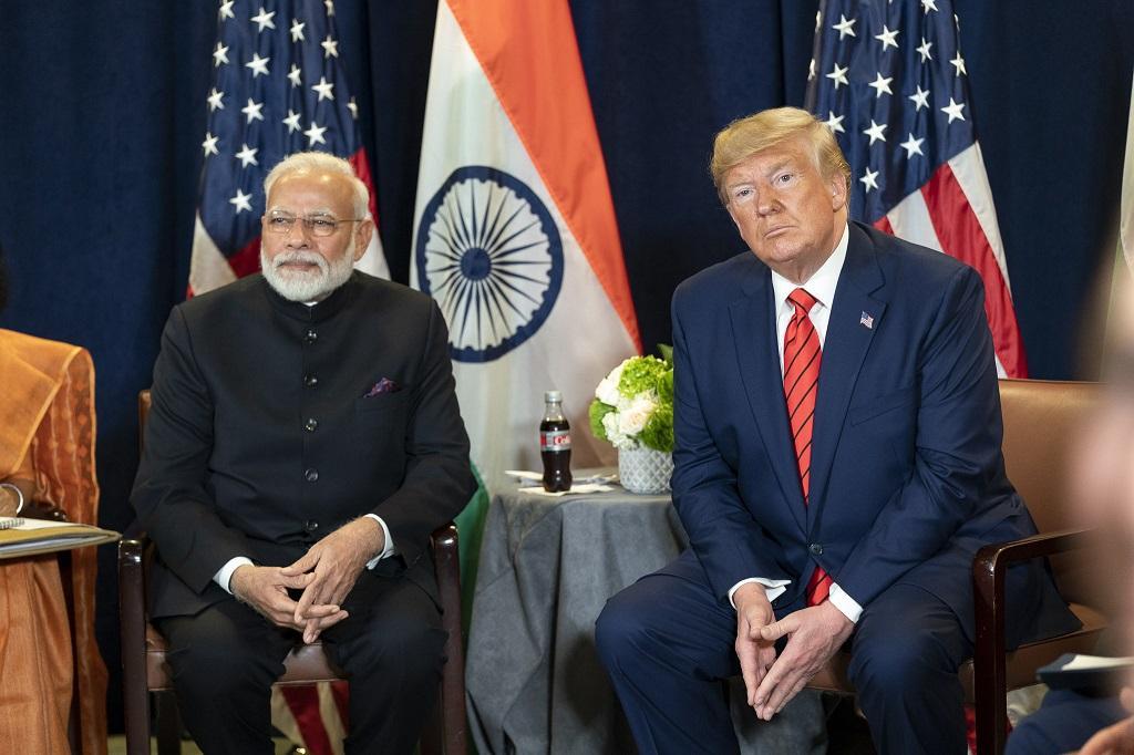भारत के प्रधानमंत्री नरेंद्र मोदी के साथ अमेरिकी राष्ट्रपति डोनाल्ड ट्रम्प। फाइल फोटो साभार: विकीपीडिया