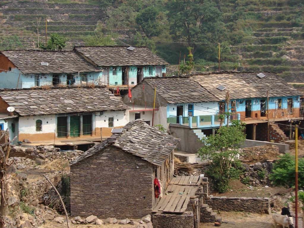 उत्तराखंड का एक गांव। फोटो: अंकुर पालीवाल