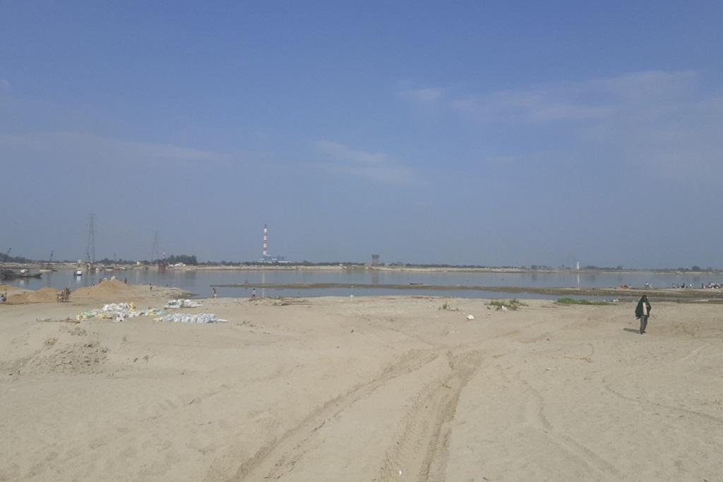 गंगा नदी में हाथीदह-मरांची के पास इसी जगह यह परियोजना शुरू होने वाली है। फोटो: पुष्य मित्र