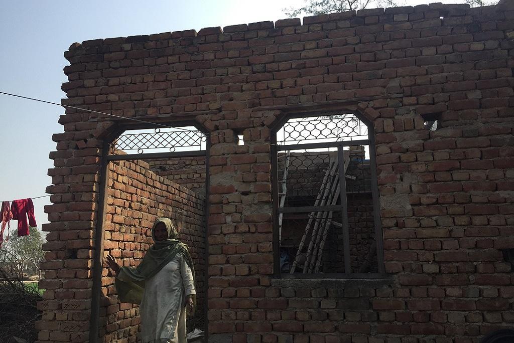 हरियाणा के नूंह (मेवात) के तावड़ू खंड के गांव सबरस में प्रधानमंत्री आवास योजना के तहत बना घर। फोटो: शाहनवाज आलम