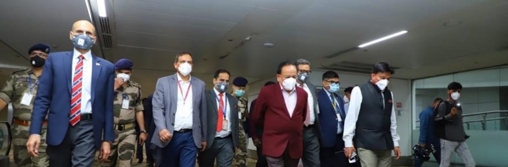 Photo: Dr Harsh Vardhan's Twitter Handle ·