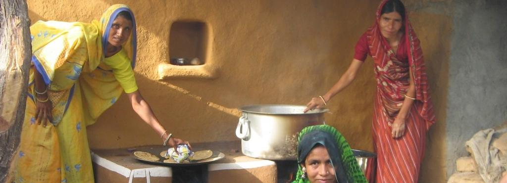 A 70 gm decrease in birth weight was associated with solid fuel use, according to a study in Tamil Nadu. Photo: Needpix.com