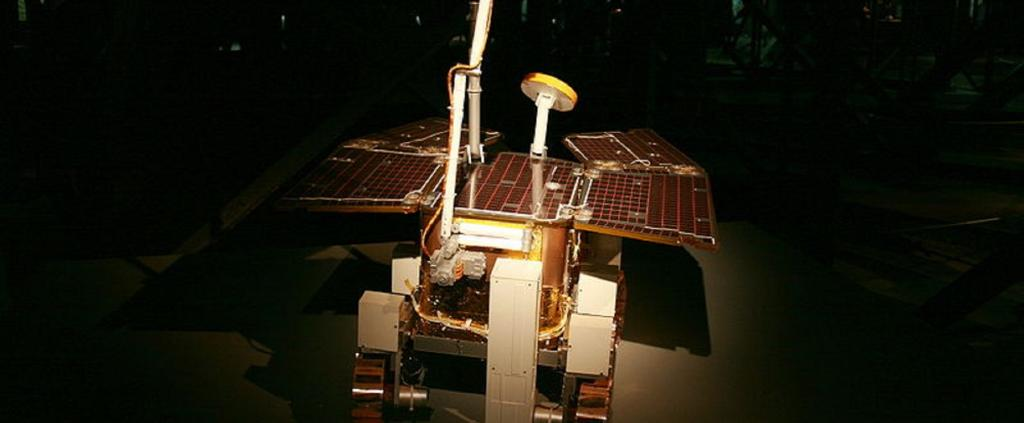 ExoMars rover at exhibit in Gasometer Oberhausen, Germany (2009). Source: Wikipedia