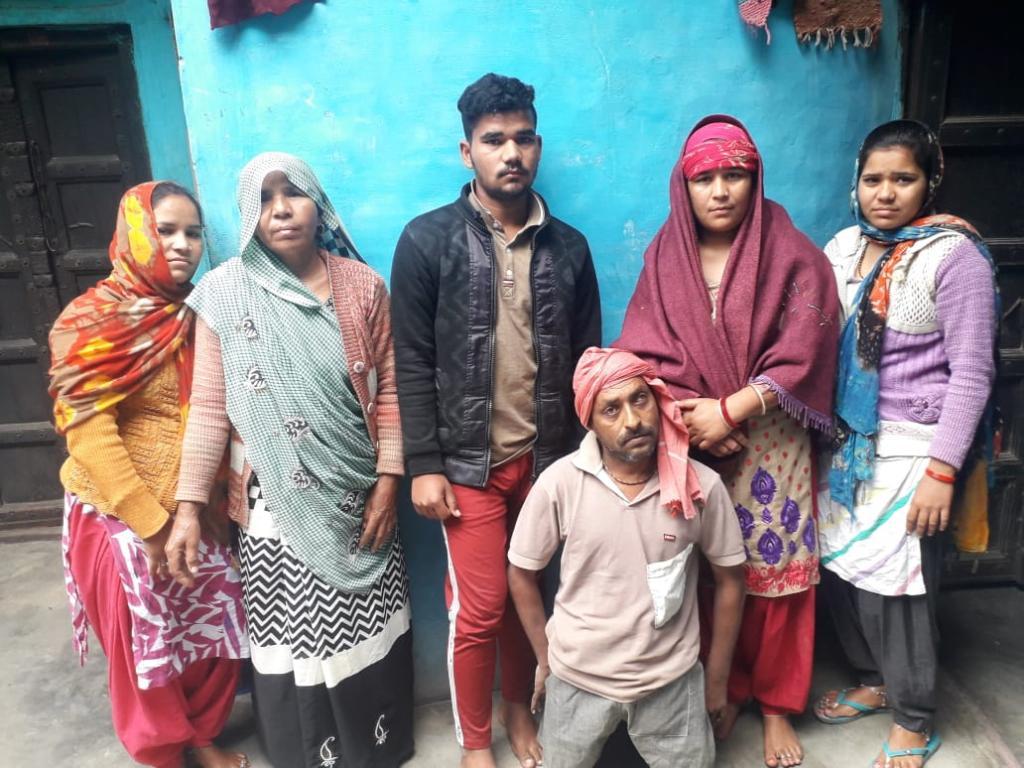 हरियाणा के पलवल जिले के आली ब्राह्रमण गांव के 42 वर्षीय किसान दुर्गाराम ने आर्थिक तंगी से परेशान होकर आत्महत्या कर ली। फोटो : मलिक असगर हाशमी