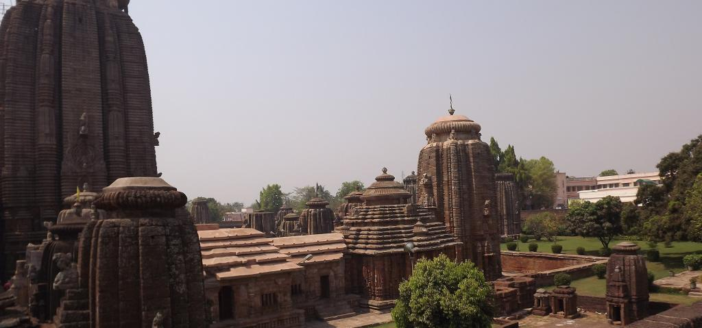 Odisha's Lingaraj temple complex. Source: Wikimedia Commons