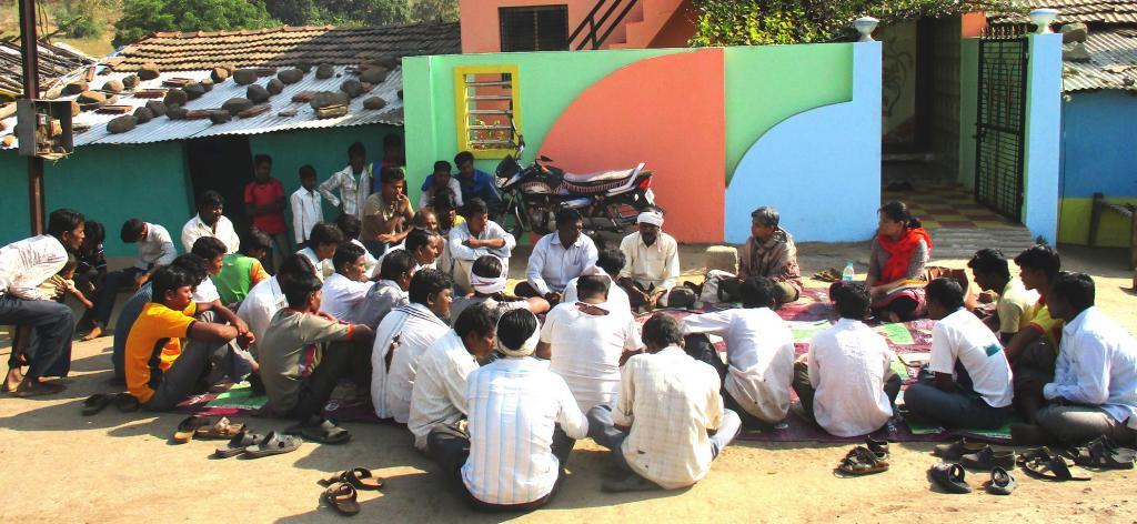 CSO meeting with the community in Mainghat, Amravati Photo: Divya Gupta
