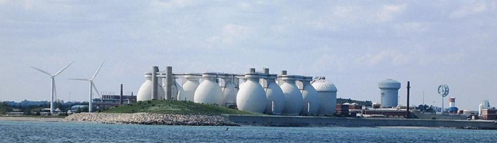Deer Island wastewater treatment plant, Boston Harbour. Source: Wikimedia Commons