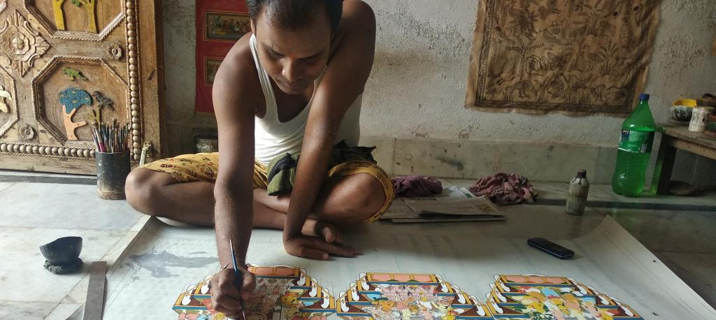 COVID-19 lockdown hits Patachitra artisans of Odisha crafts village hard
