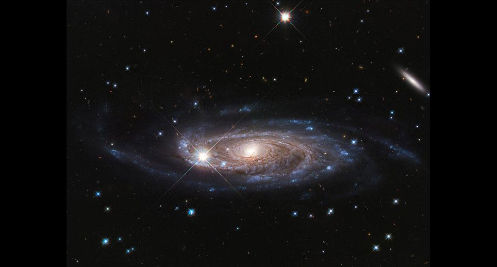 The UGC 2885 is a galaxy at least 2.5 times larger than the Milky Way, with at least 10 times as many stars. This image was captured by the telescope in 2020. Photo: NASA, ESA, and B. Holwerda (University of Louisville)