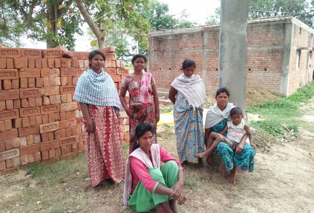 रांची स्थित सचिवालय से 2.5 किमी दूर बसा आदिवासी टोला, जहां लॉकडाउन के बाद से कोई मदद नहीं पहुंच पा रही है। फोटो: मो. असग़र खान