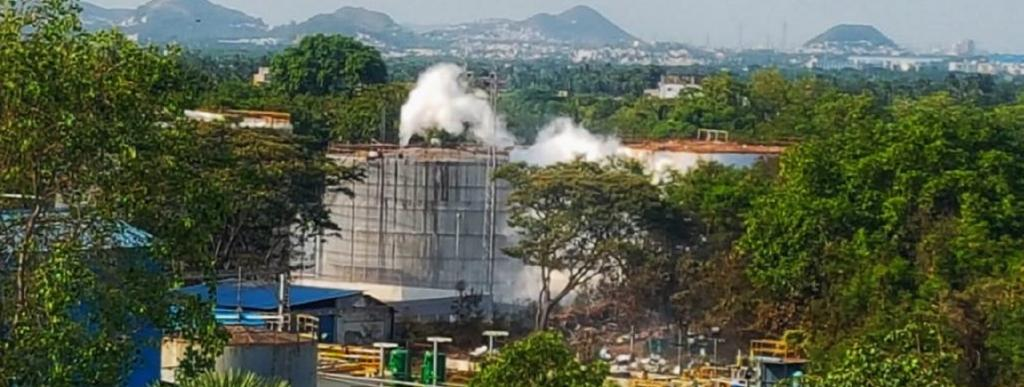 Styrene gas leaked at a chemical plant in Visakhapatnam, Andhra Pradesh Photo: Twitter