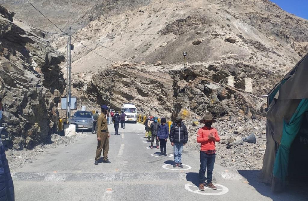कोरोनावायरस: हिमाचल के बस दो जिले ही बचे हैं ग्रीन