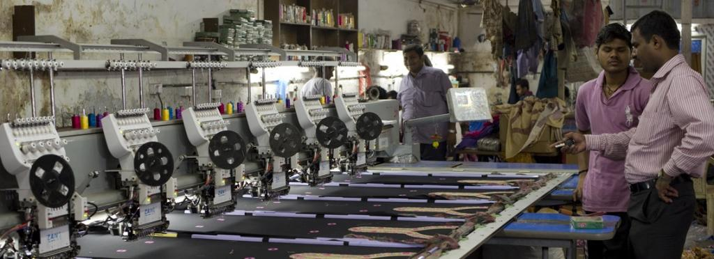 An embroidery unit in Dharavi, Mumbai. Photo: Wikimedia Commons
