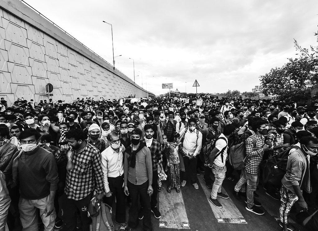 """""""प्रवासियों ने क्यों छोड़ा शहर"""""""