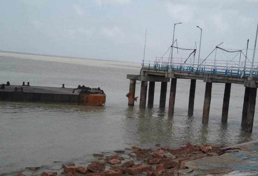 The jetty at Sagar island caved in after cyclone Amphan struck Photo: Biswarup Saha