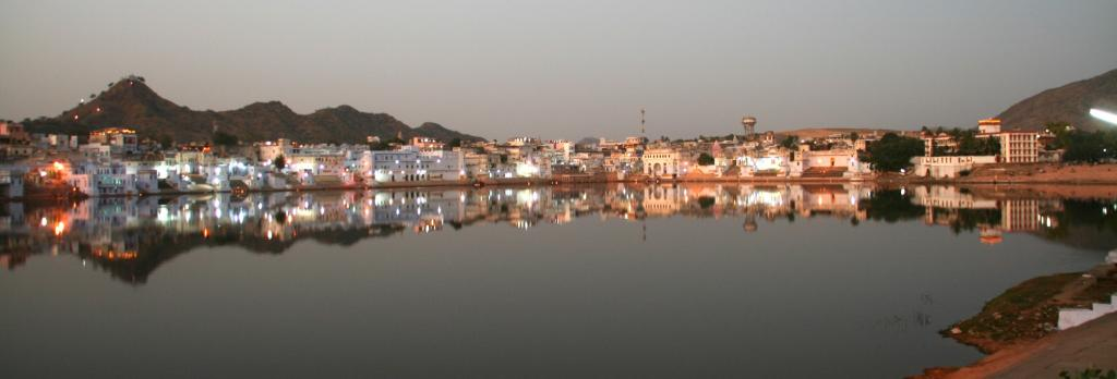 At Pushkar Lake, Rajasthan. The COVID-19 lockdown improved water quality in rivers, lakes and dams in the state. Source: Wikimedia Commons