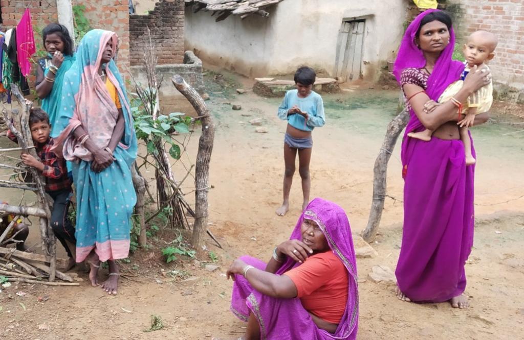 लॉकडाउन सेग्रामीणमहिलाओं और बच्चों के पोषण पर पड़ा बुरा असर, कर्ज में डूबे परिवार