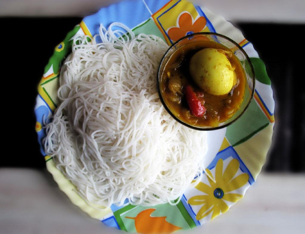 Idiyappam or String Hoppers, a type of rice noodles made in Southern India and Sri Lanka. Photo: Wikimedia Commons