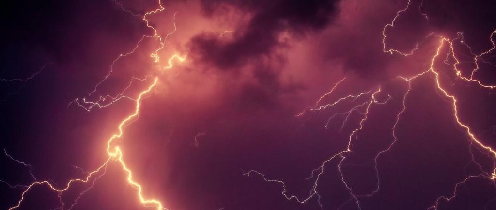 13 farmers were killed in Gopalganj while 5 died in Siwan due to lightning. Photo: pexels.com
