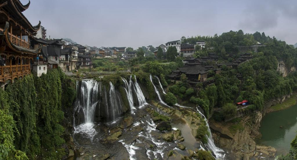 With this year's additions in July, the number of sites in the Global UNESCO Geoparks Network now stands at 161 in 44 countries. Shown here is a picture of Furong, an ancient town in central China's Hunan province. It is part of the Xiangxi geopark, most of which is in the Xiangxi Tujia and Miao Autonomous Prefecture in Hunan. The geopark features 160 cultural sites from the Paleolithic and Neolithic ages. The area is known for its Red Stone Forest, the Dehang Grand Canyon, the Zuolong Valley and many spectacular waterfalls. Photo: Wikimedia Commons