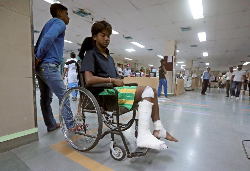 Over 80 per cent Indians are not covered under health insurance, says NSSO survey. Photo: Vikas Choudhary / CSE