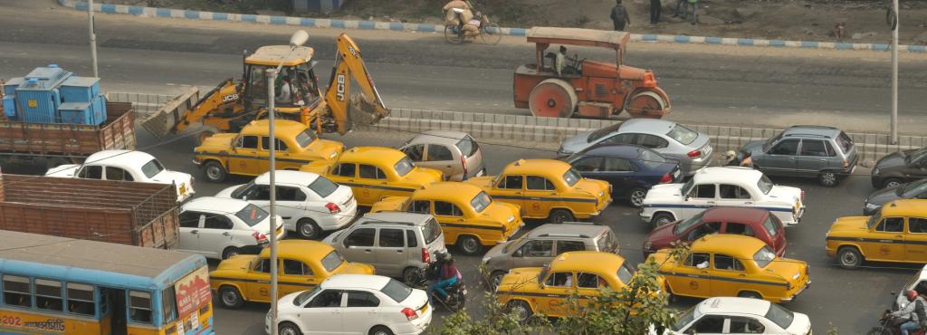 Most of Kolkata's vehicles use diesel, a major pollutant, as fuel, something that is detrimental for the city. Photo: Wikimedia Commons