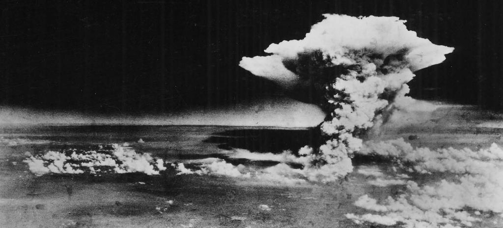 Atomic cloud over Hiroshima, taken from 'Enola Gay' flying over Matsuyama, Shikoku. Photo: Wikimedia Commons