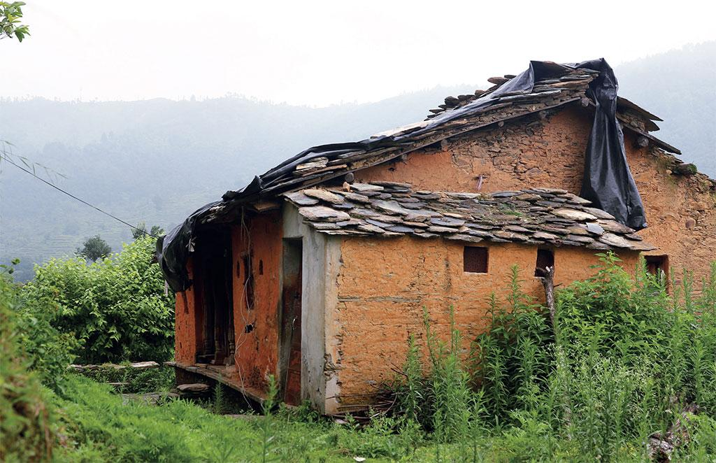 A dilapidated house in  Balodi village of Pauri where residents did  not return (Photograph: Srikant Chaudhary)
