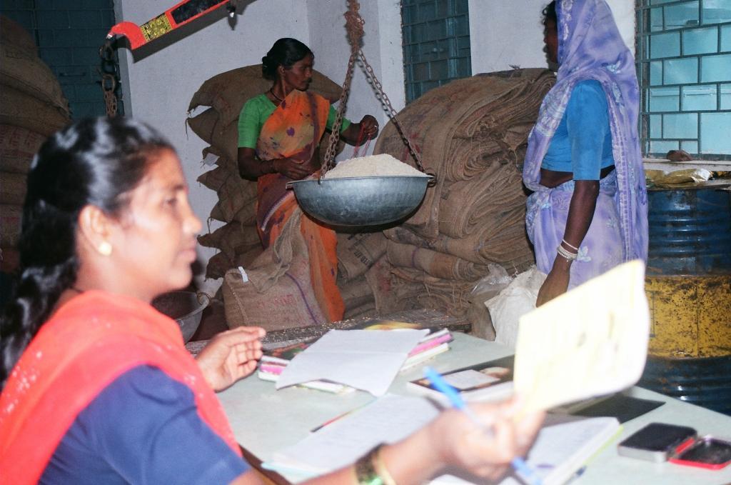 Dalit, Adivasi, Muslim areas suffered more during lockdown months: Data. Photo: Ruksan Bose / CSE