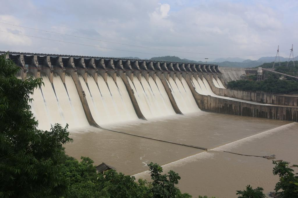 Mismanagement of Gujarat's Sardar Sarovar dam — currently 90 per cent full — allegedly led to floods in Bharuch district August 31. Photo: Wikimedia Commons