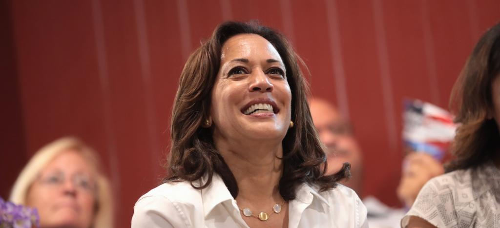 Kamala Harris promised her administration will give the Department of Justice resources to investigate oil and gas companies who directly impacted global warming. Photo: Wikimedia Commons