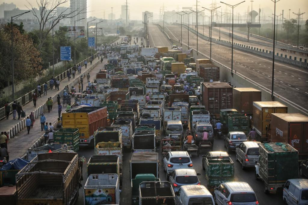 A transparent and robust consumer information system for fuel efficiency in India can help stimulate uptake of cleaner vehicles. Photo: Vikas Choudhary