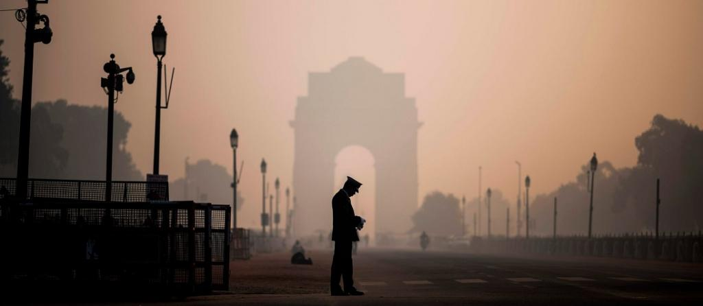 EPCA directs slew of measures as Delhi air turns noxious again. Photo: @Anirban58391210 / Twitter